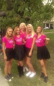 Оля Ускова и блондинките